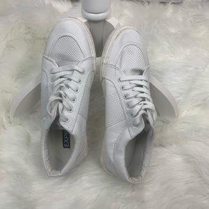 EXPRESS Men's Fashion Sneaker